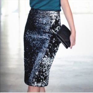 ZARA BLACK SILVER SEQUIN PENCIL SKIRT SZ SM